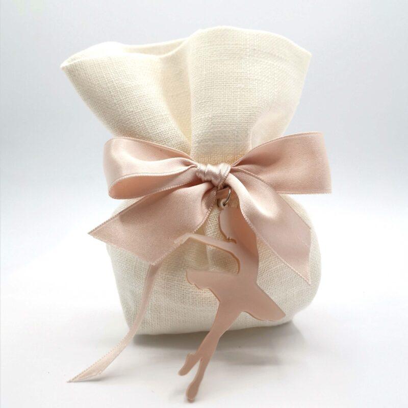 sacchetto in lino porta confetti con bomboniera ciondolo ballerina in termoresina rosa