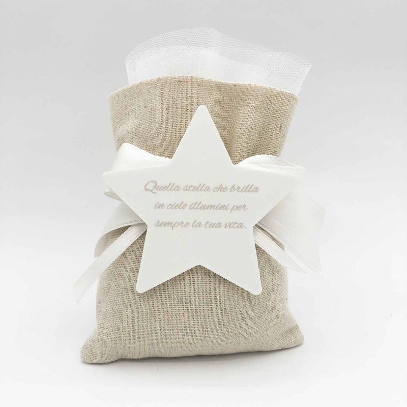 bomboniera sacchetto juta e stella bianca con scritta