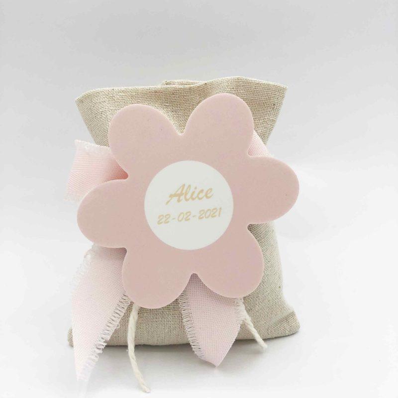 bomboniera sacchetto juta e nastro rosa cotone sfrangiato con fiore